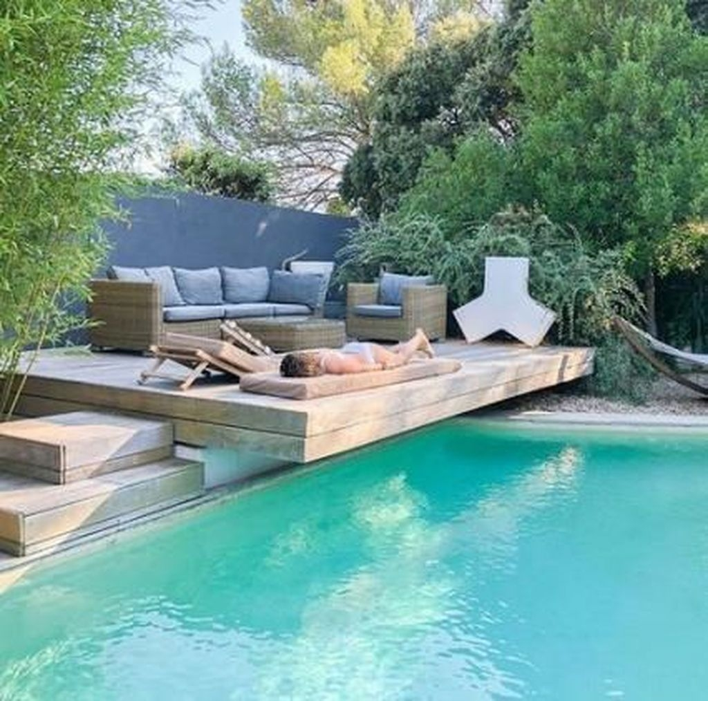 Totally Difference Pool Seating Ideas To Beautify Your Backyard 18