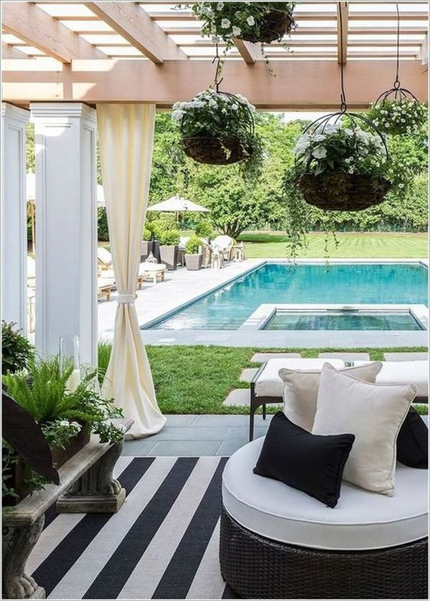 Totally Difference Pool Seating Ideas To Beautify Your Backyard 32