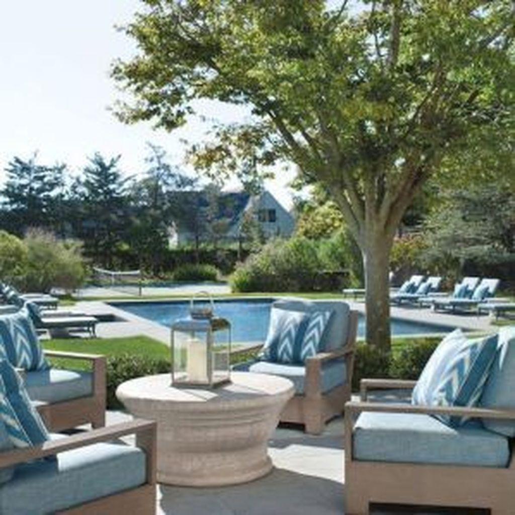 Totally Difference Pool Seating Ideas To Beautify Your Backyard 34