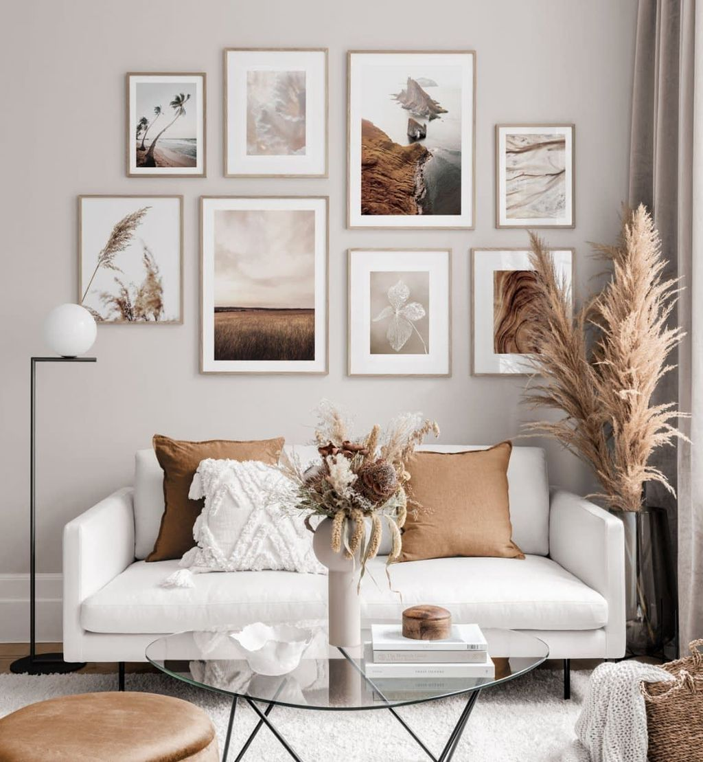 Amazing Living Room Wall Decor Ideas That You Should Copy 08