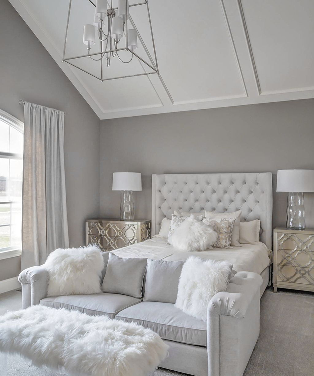 Fabulous White Bedroom Ideas To Make Your Sleep Comfortable 04