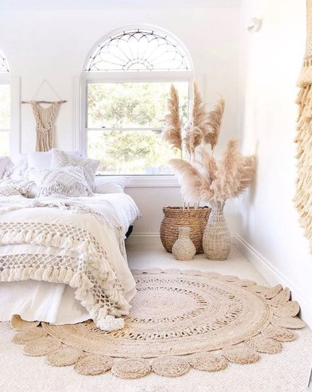 Fabulous White Bedroom Ideas To Make Your Sleep Comfortable 05