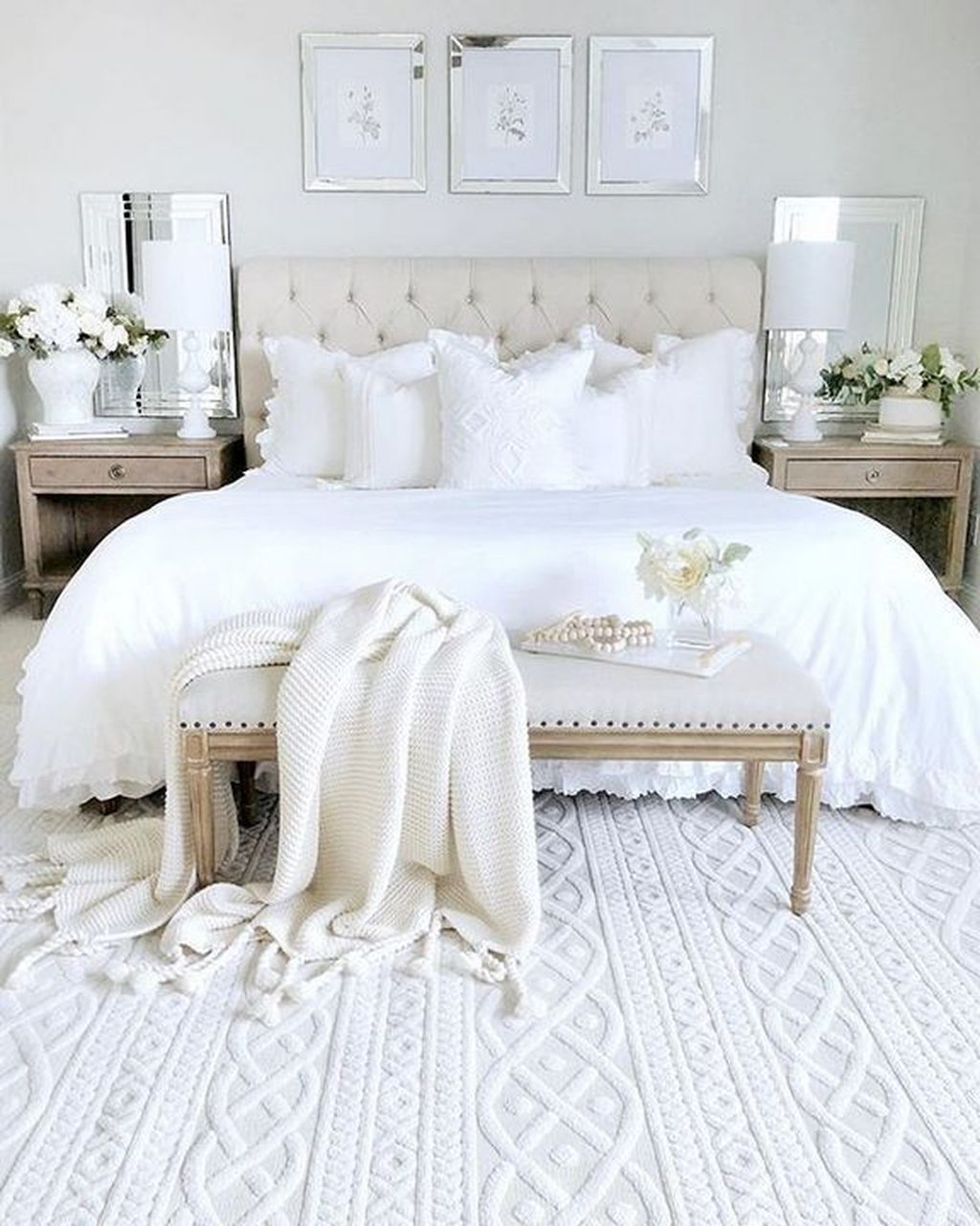 Fabulous White Bedroom Ideas To Make Your Sleep Comfortable 06