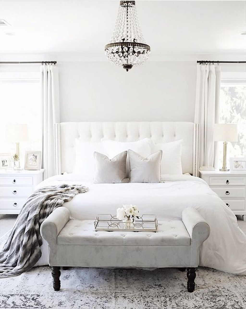 Fabulous White Bedroom Ideas To Make Your Sleep Comfortable 27