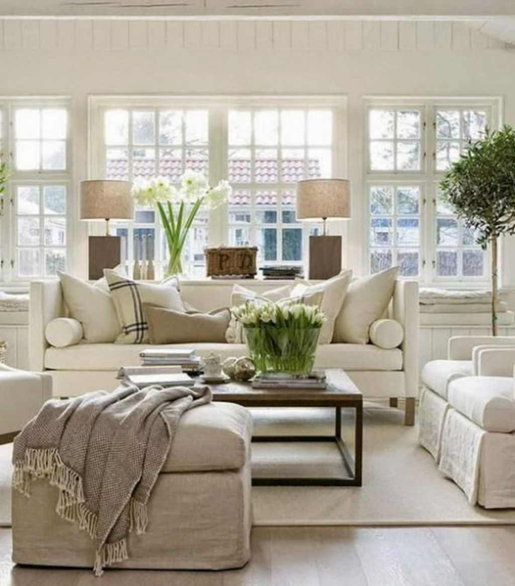 Fascinating Traditional Living Room Decor Ideas You Will Love 13