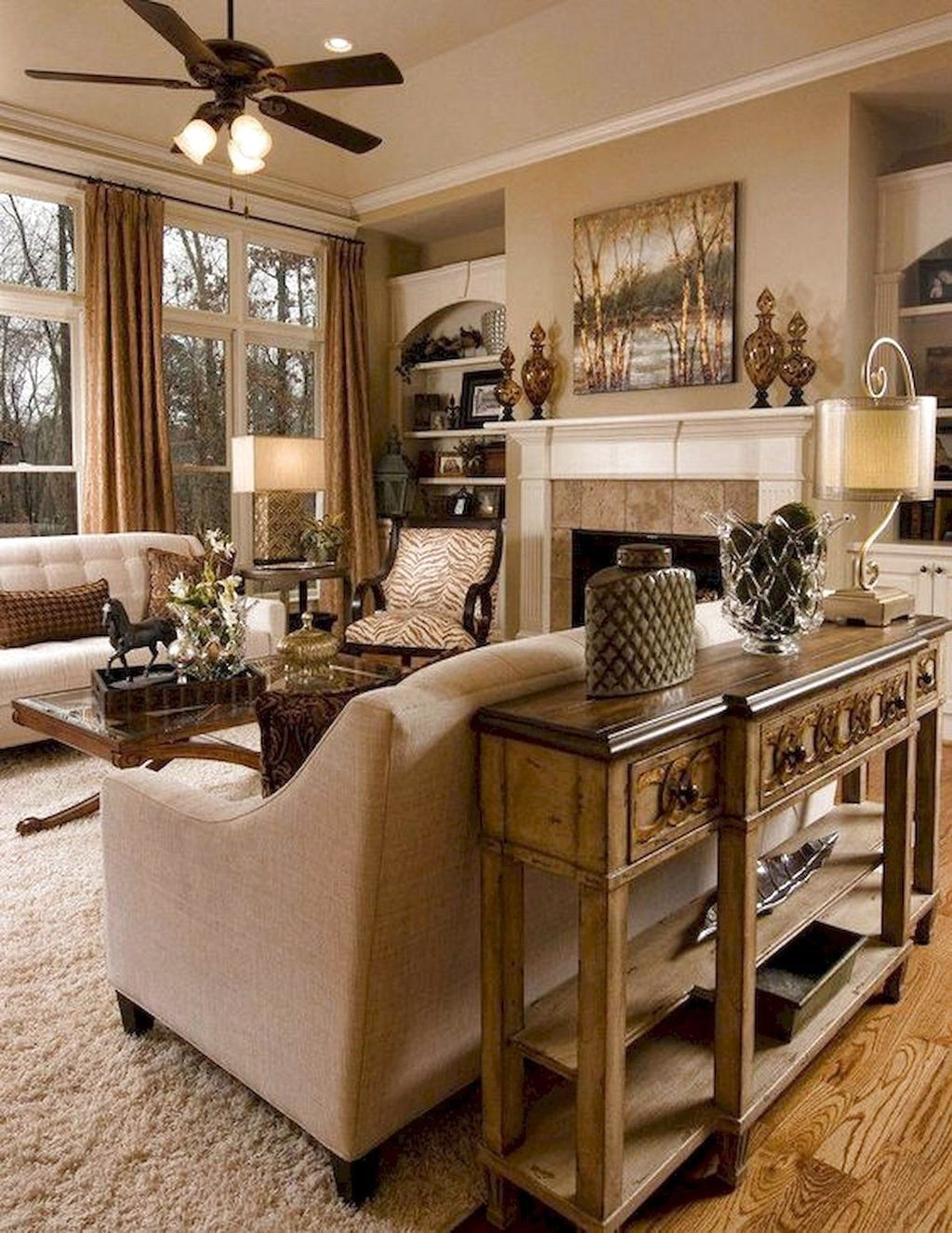 Fascinating Traditional Living Room Decor Ideas You Will Love 14