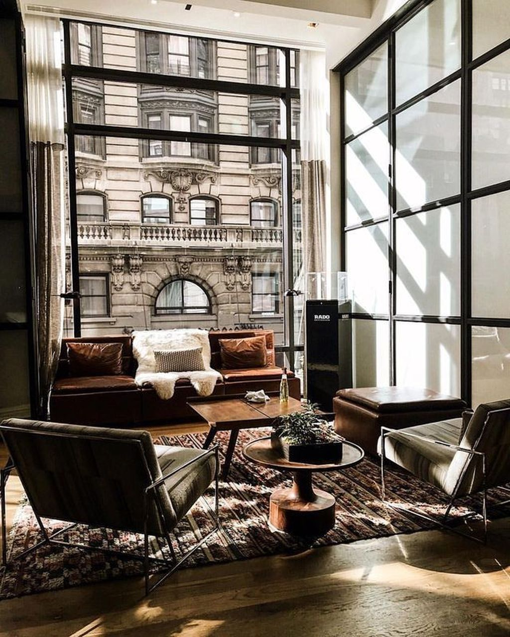 Gorgeous Industrial Living Room Design And Decoration Ideas 10