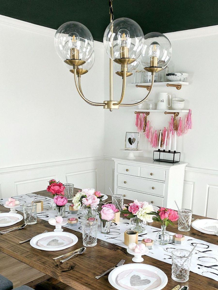 Inspiring Romantic Dining Table Decor Ideas 27