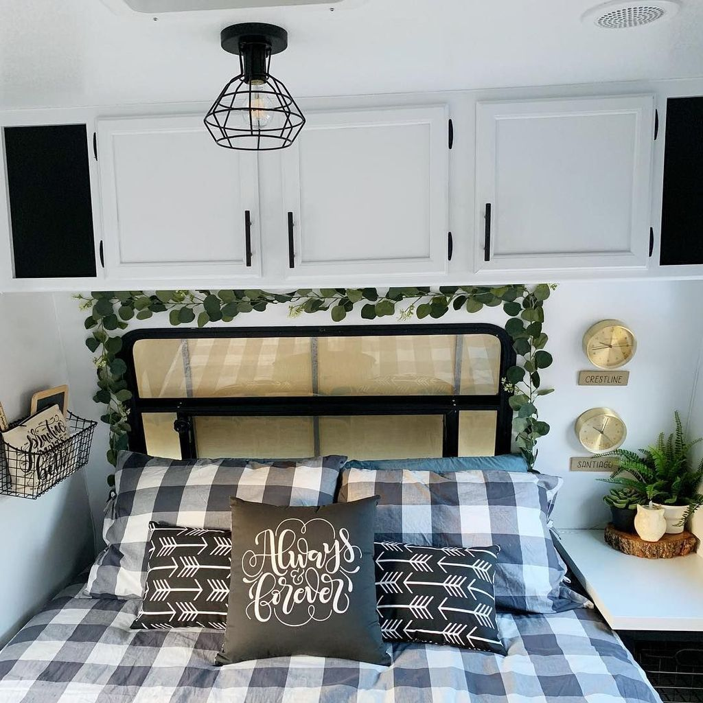 Nice RV Bedroom Ideas That Will Inspire You 31