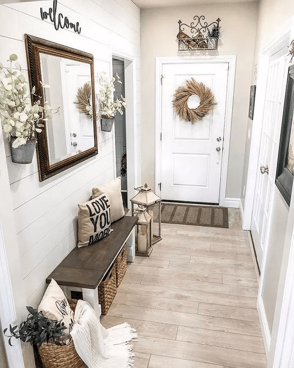 Popular Entryway Decor Ideas You Should Copy Now 25