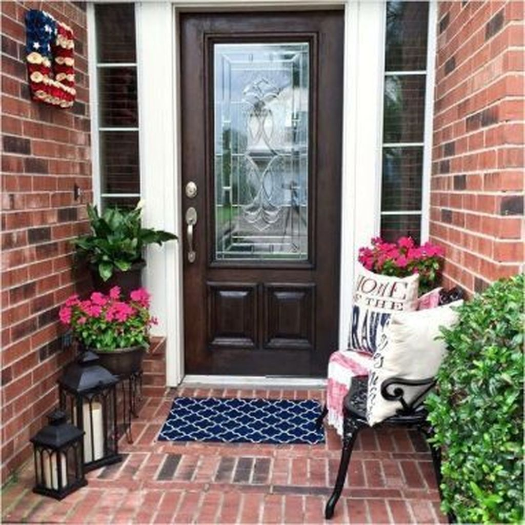 The Best Small Front Porch Ideas To Beautify Your Home 22