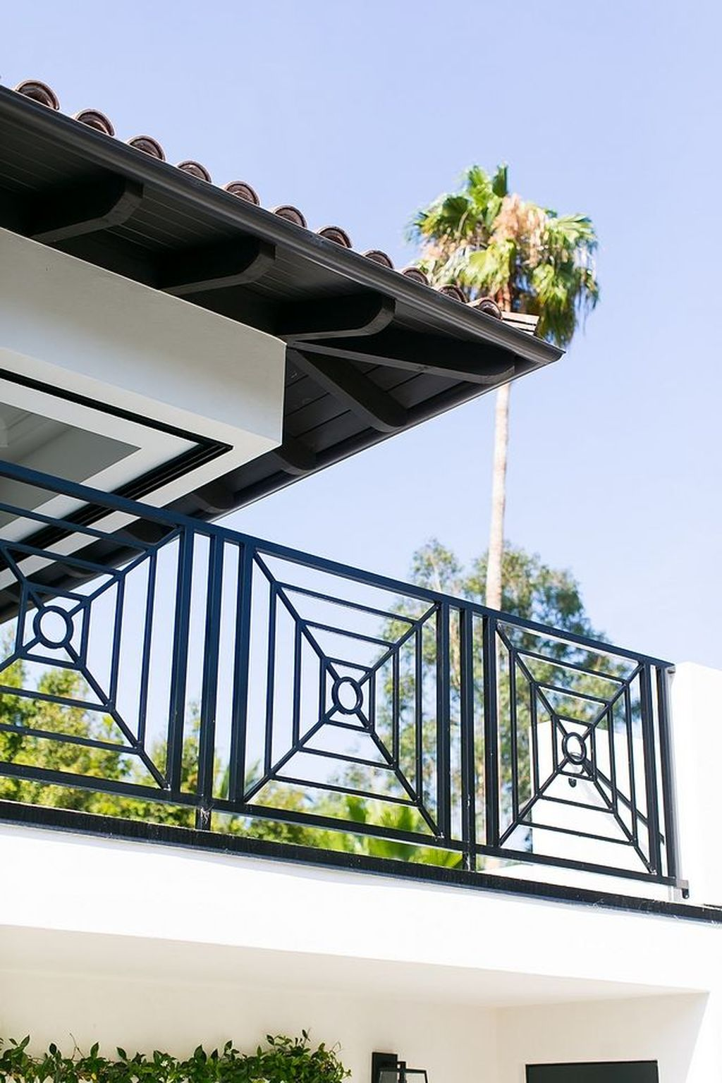 Awesome Balcony Railing Design Ideas To Beautify Your Exterior 03