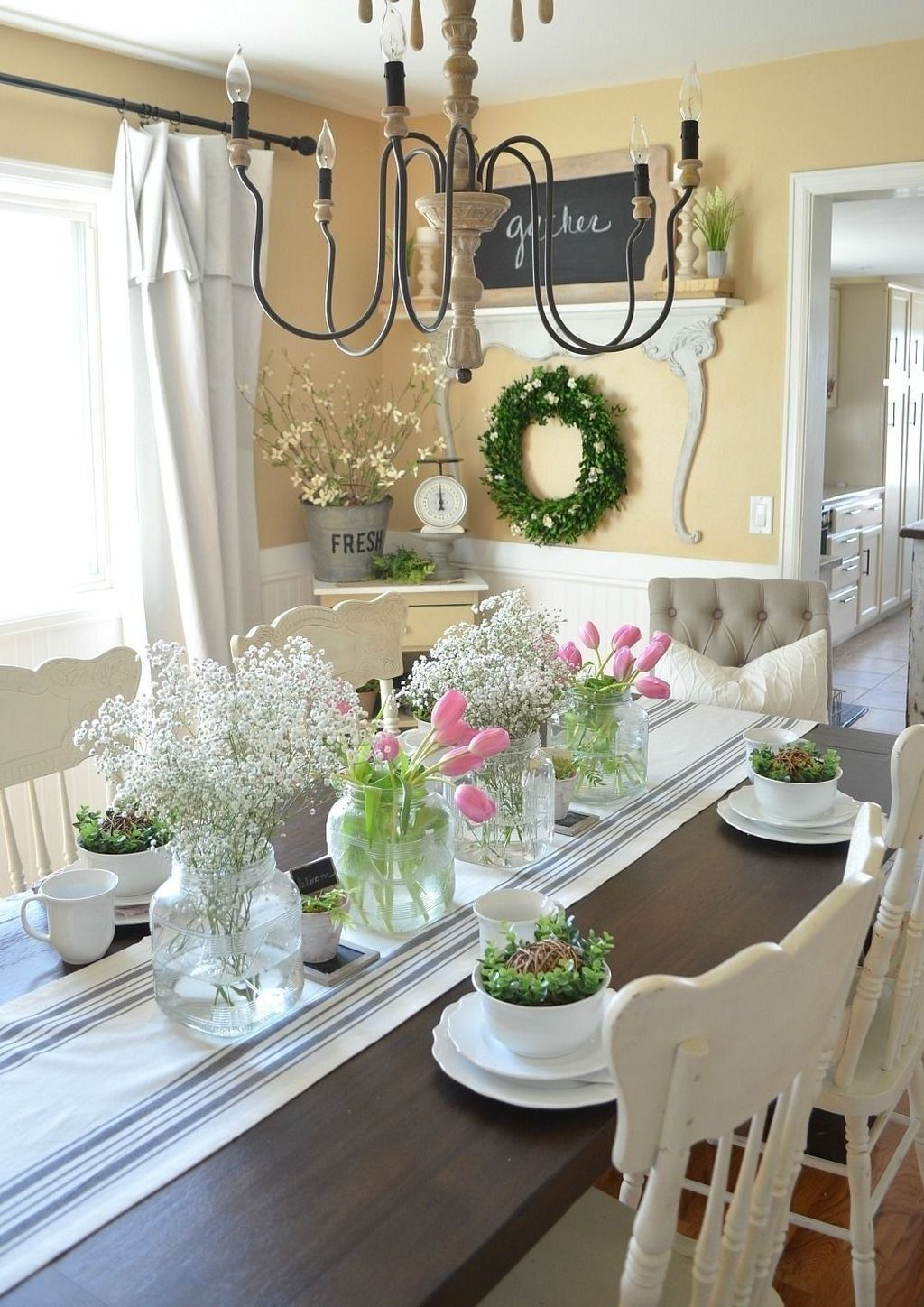 Awesome Spring Table Centerpieces With Farmhouse Style 17