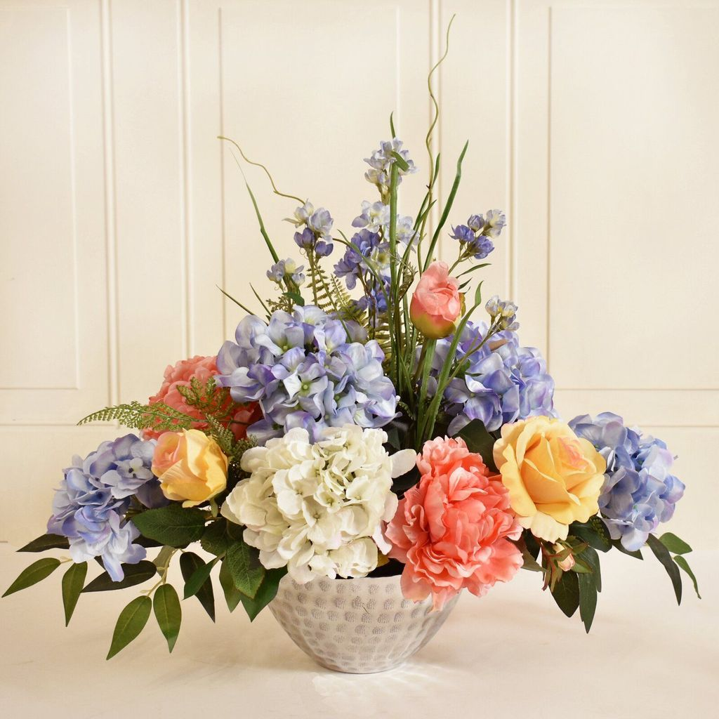Beautiful Spring Floral Arrangements For Home Decoration 14