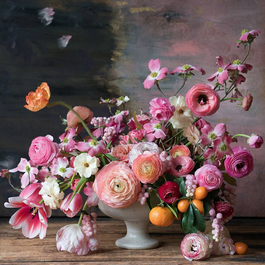 Beautiful Spring Floral Arrangements For Home Decoration 18