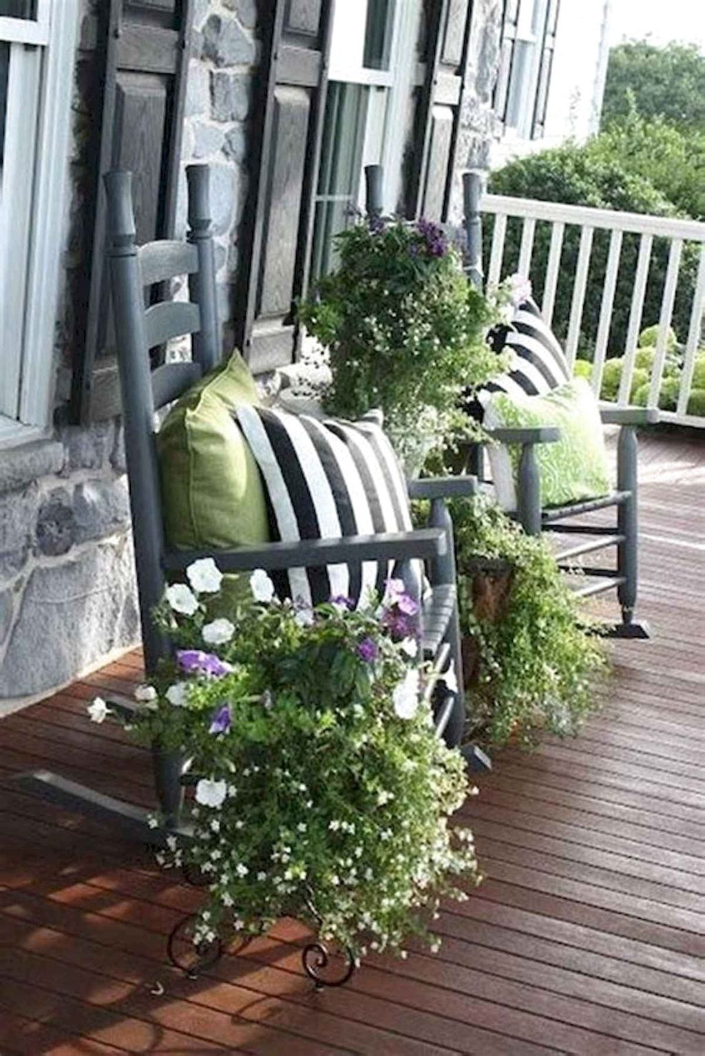 Beautiful Spring Outdoor Decor Ideas 25