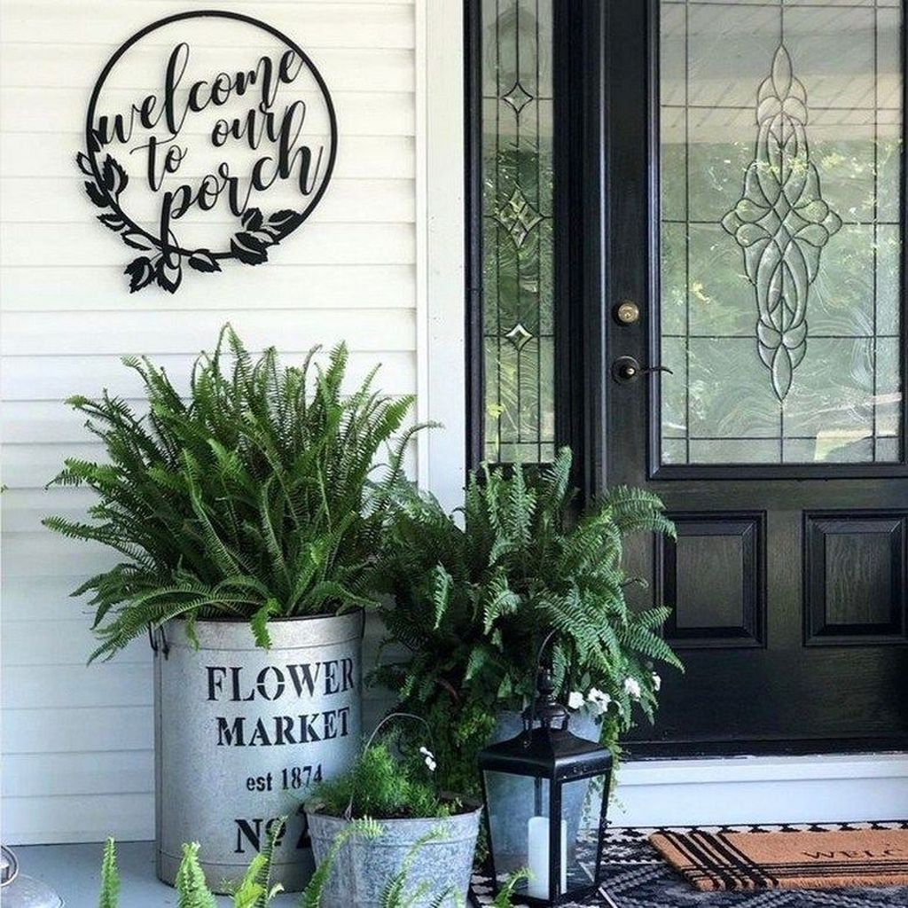 Fascinating Spring Porch Decor Ideas With Farmhouse Style 27