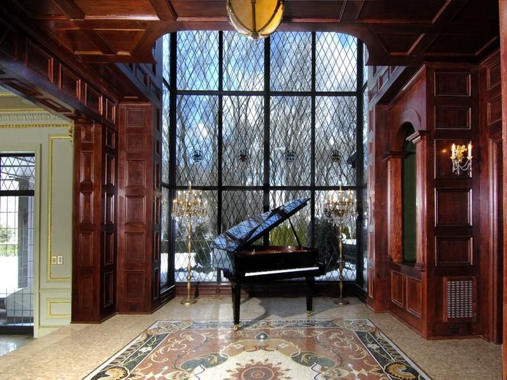 Inspiring Gothic Interior Design Ideas 04