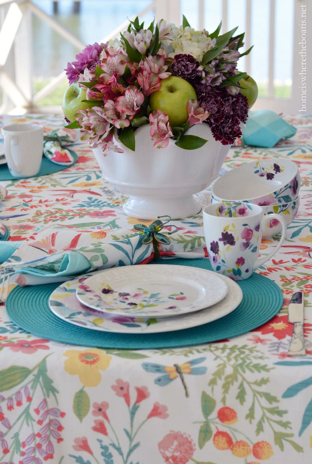 Inspiring Spring Table Centerpieces Best For Dining Room 06