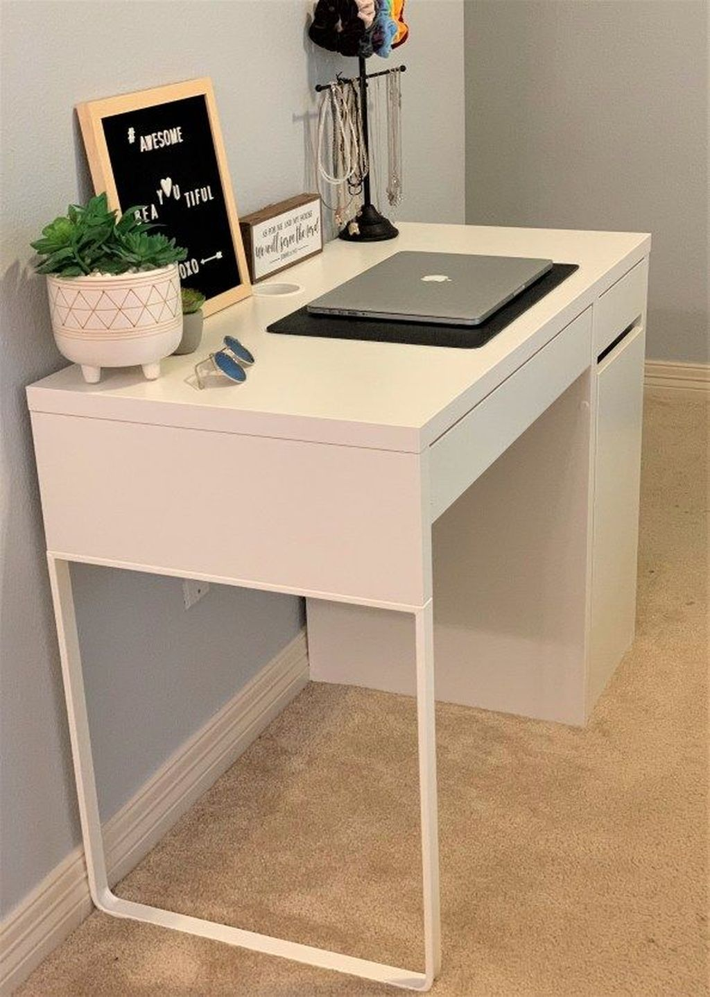 Perfect Bedroom Desk Ideas 19