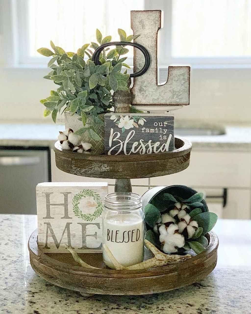Perfect Farmhouse Spring Decor Ideas 27