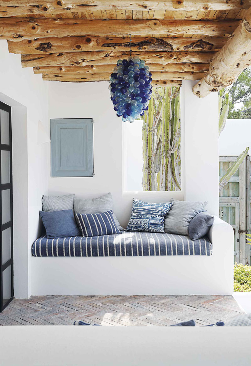Popular Mediterranean Decor To Beautify Your Home 28