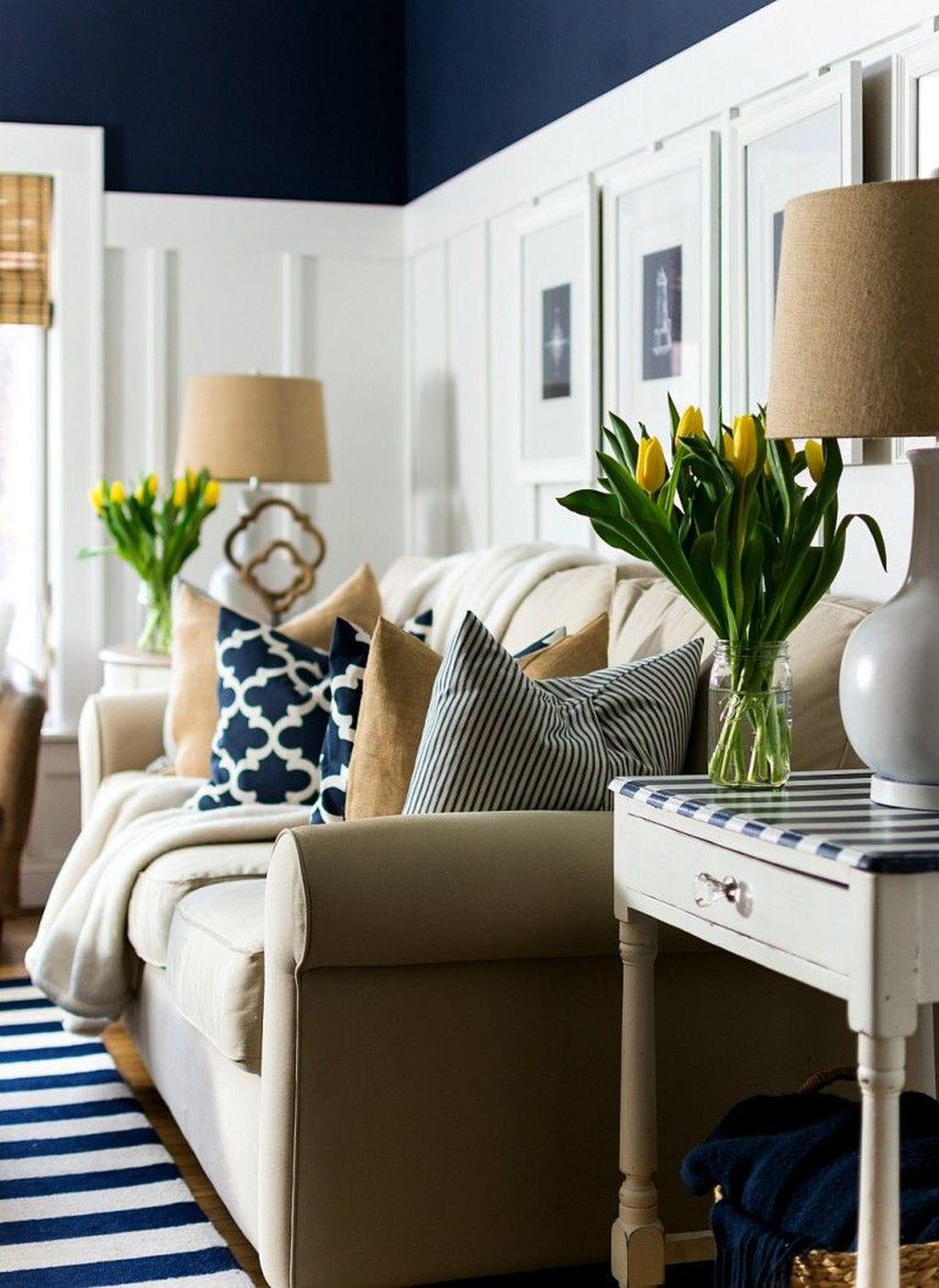 Stunning Apartment Spring Decor Ideas 14