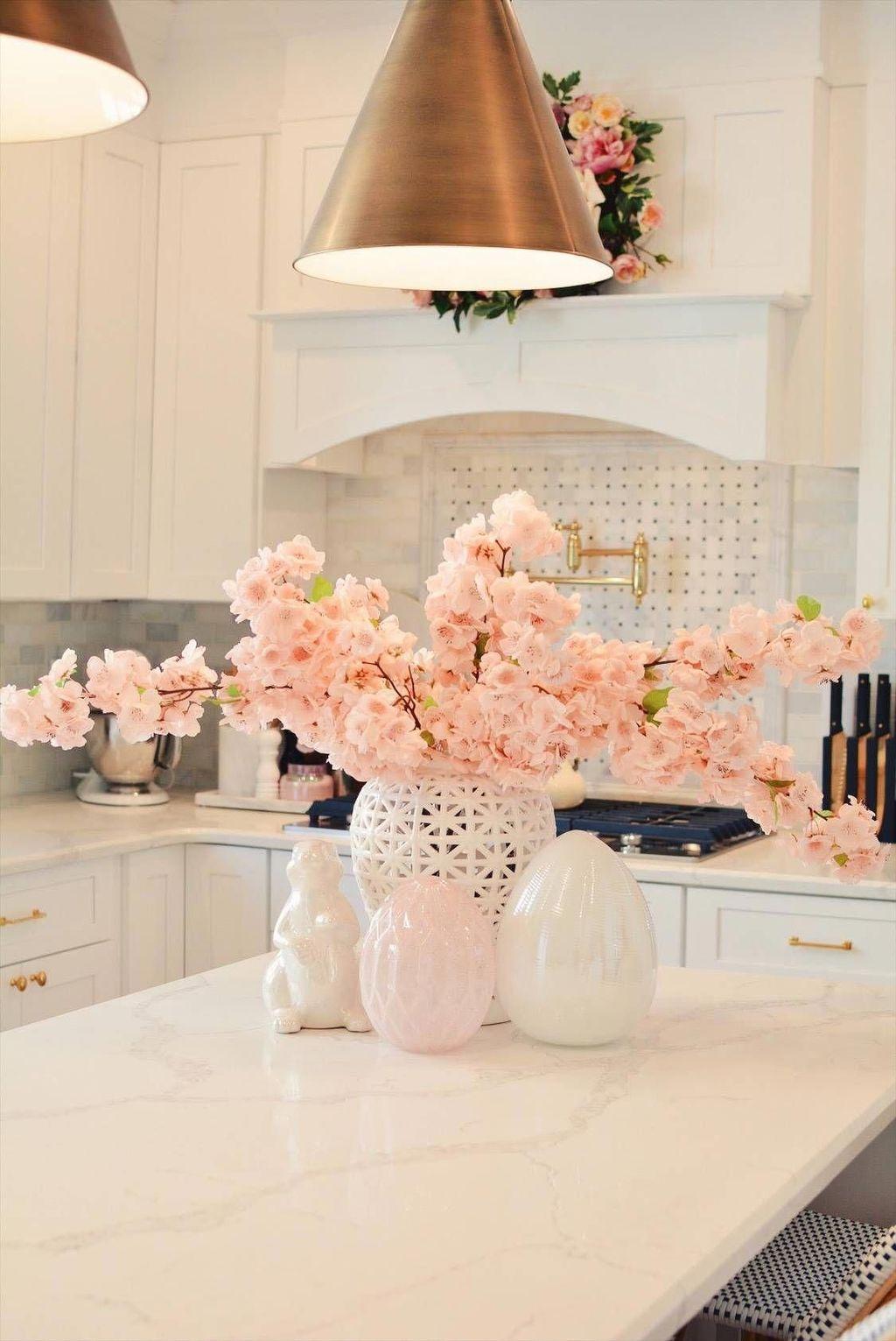 Stunning Apartment Spring Decor Ideas 21