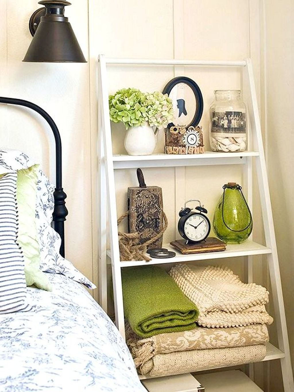 Stunning Bedroom Storage Ideas 15