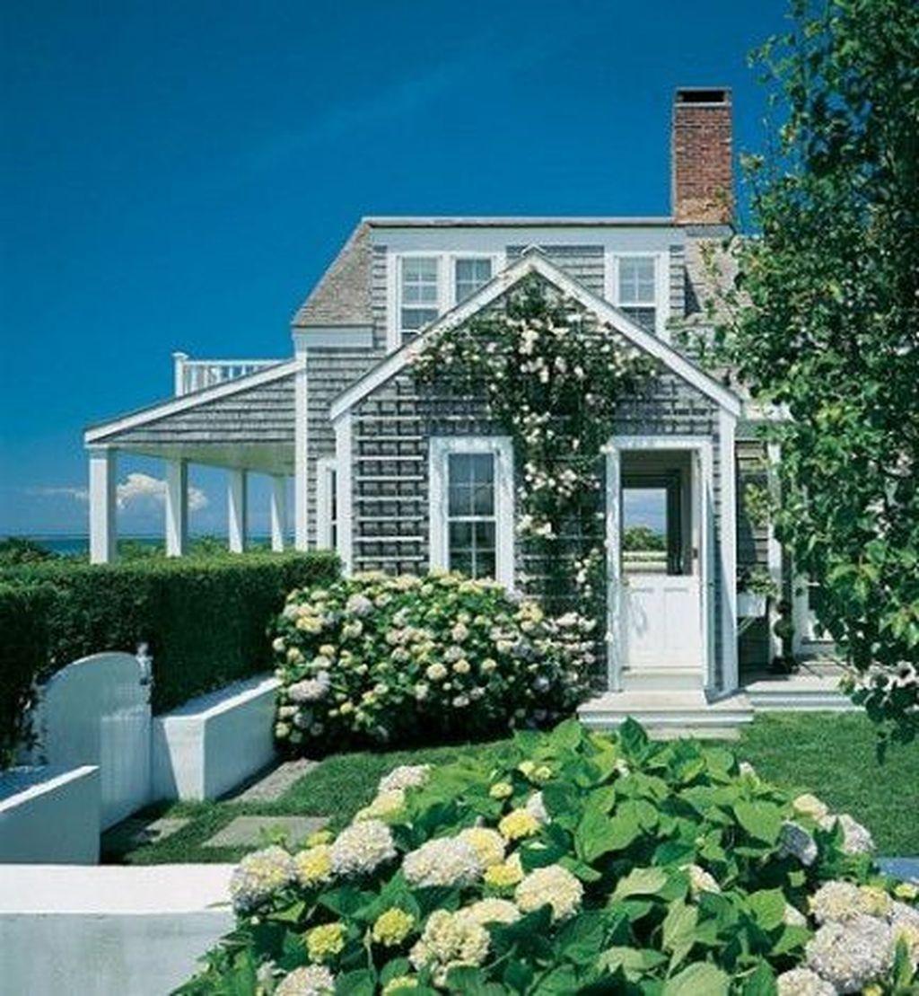 Admirable Beach House Exterior Design Ideas You Will Love 08