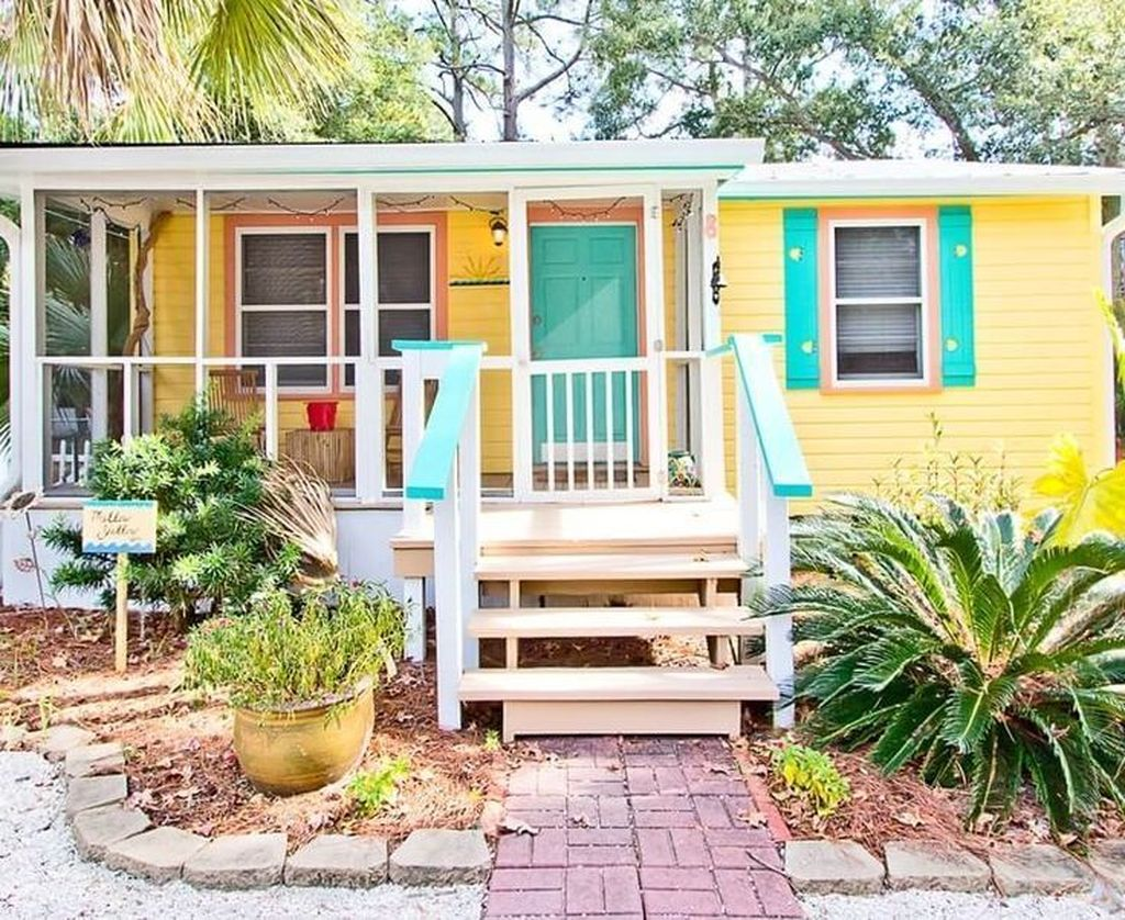 Admirable Beach House Exterior Design Ideas You Will Love 28