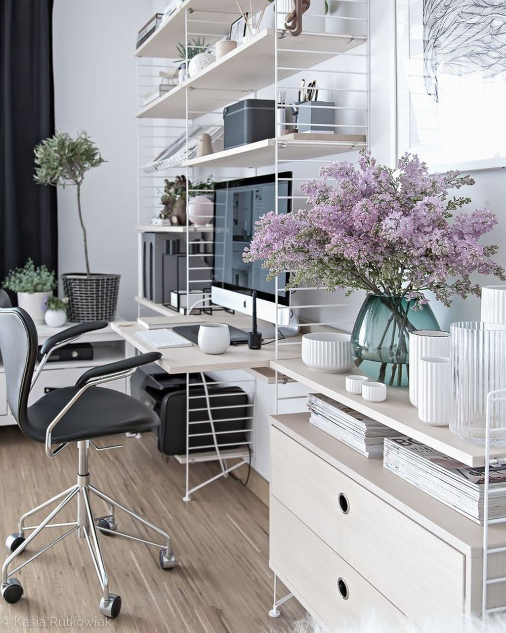 Awesome Scandinavian Home Office Design Ideas You Should Copy 25