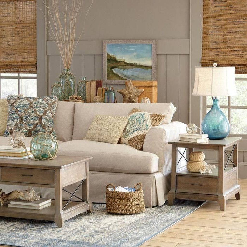 Beautiful Coastal Living Room Decor Ideas Best For This Summer 07