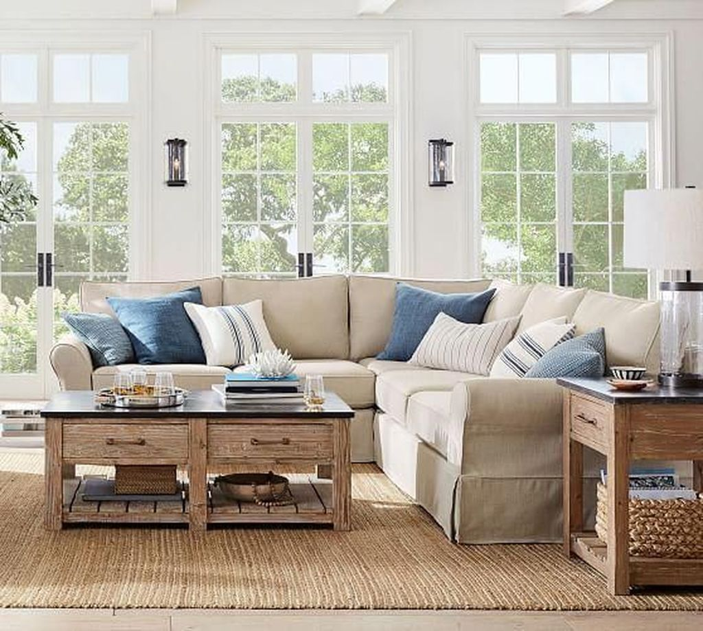 Beautiful Coastal Living Room Decor Ideas Best For This Summer 17