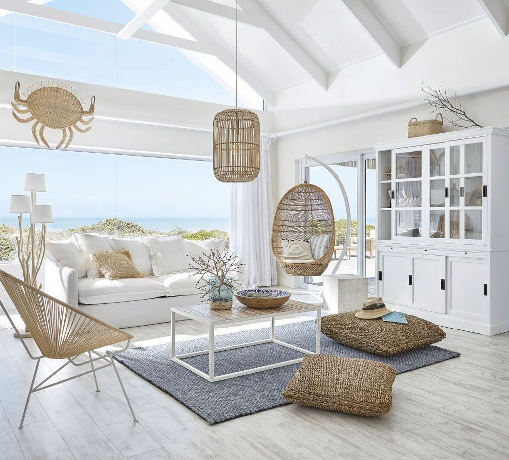 Beautiful Coastal Living Room Decor Ideas Best For This Summer 24