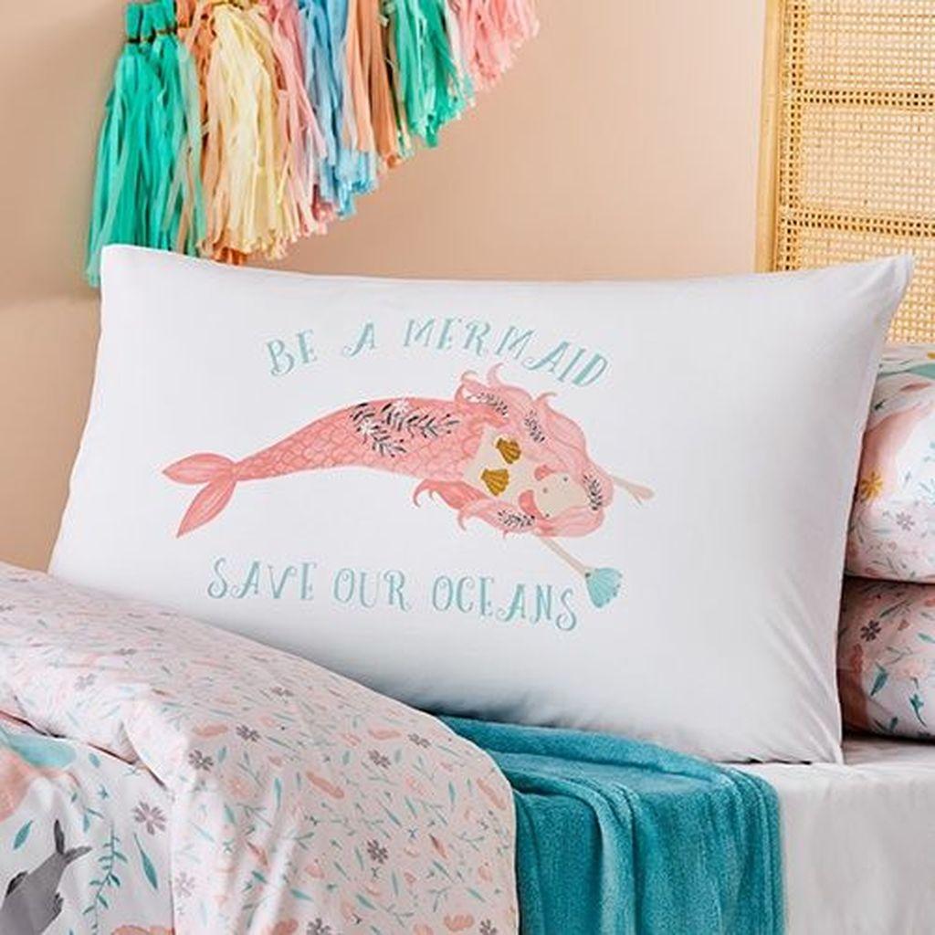 Beautiful Mermaid Theme Bedroom Decor Ideas For Girls 02