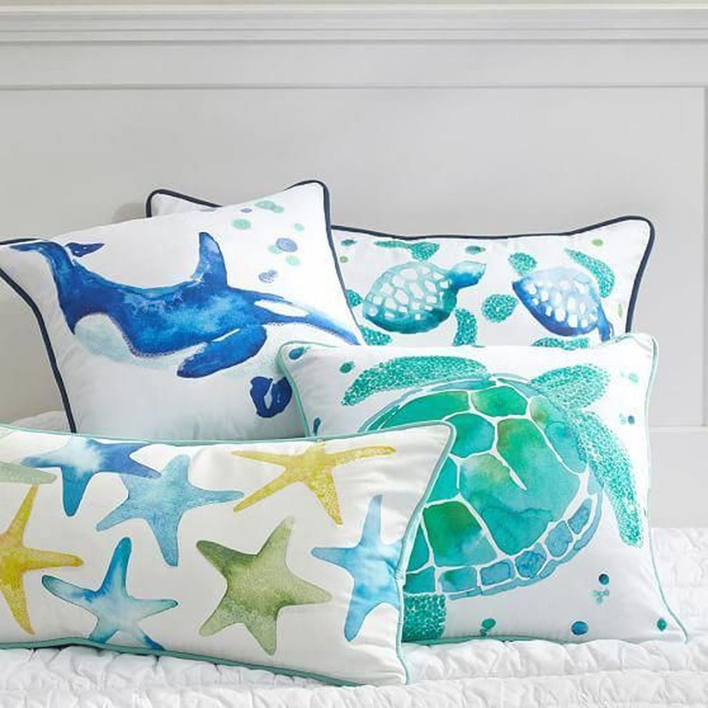 Beautiful Mermaid Theme Bedroom Decor Ideas For Girls 15