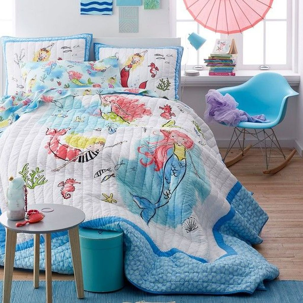 Beautiful Mermaid Theme Bedroom Decor Ideas For Girls 27