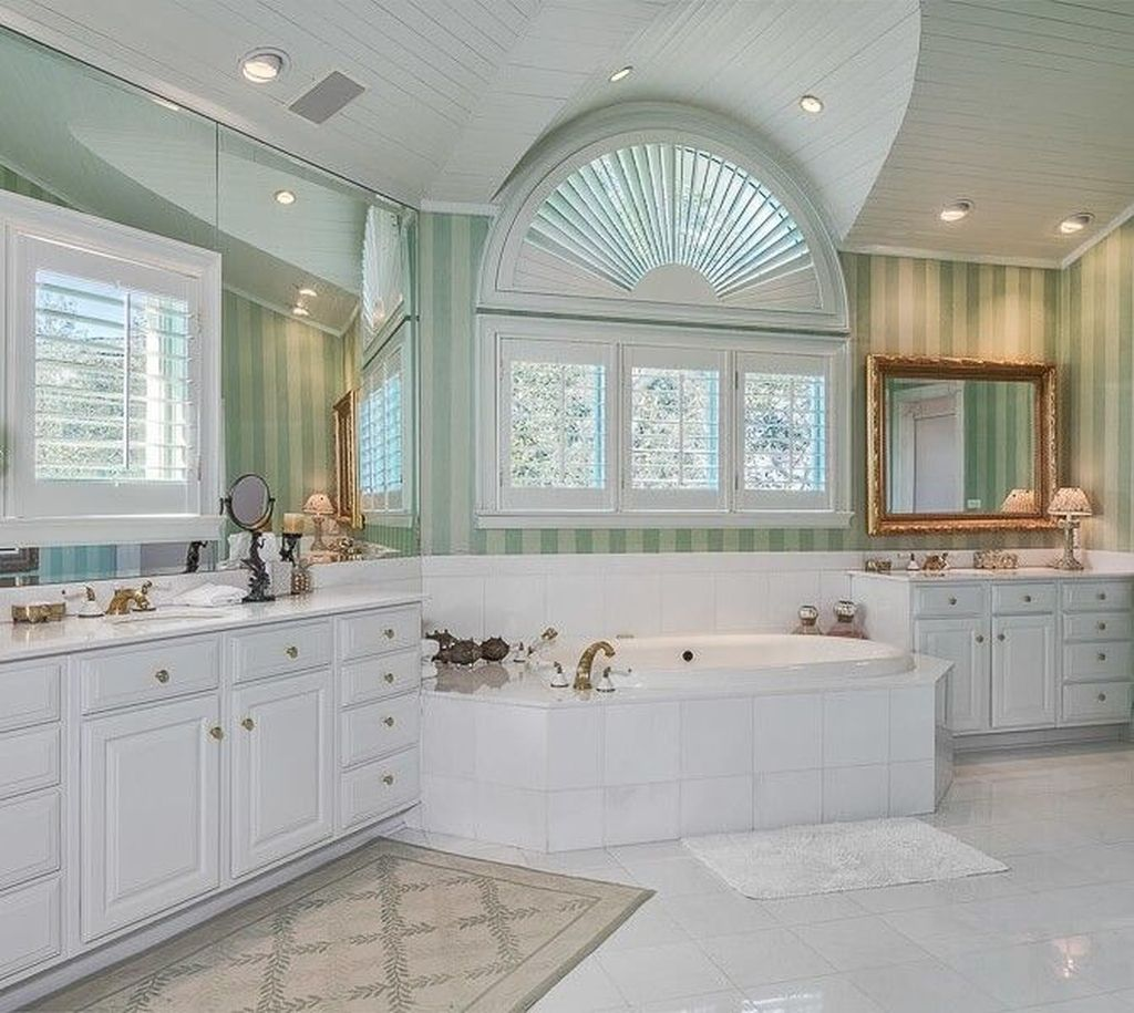 Fabulous Coastal Style Bathroom Decor Ideas 23
