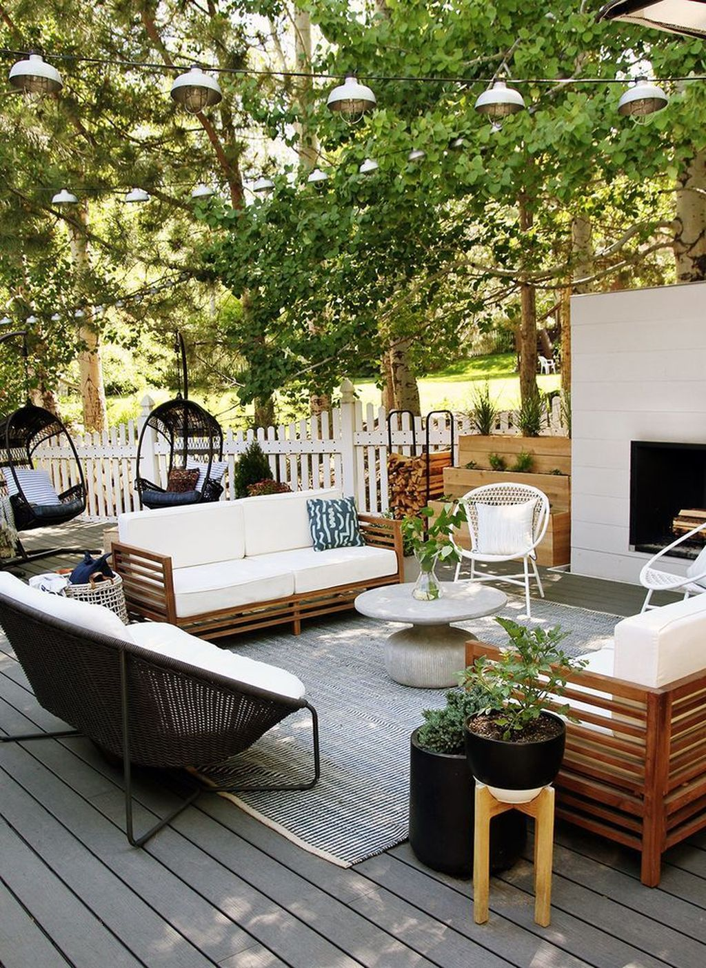 Fascinating Summer Patio Ideas To Beautify Your Garden 12