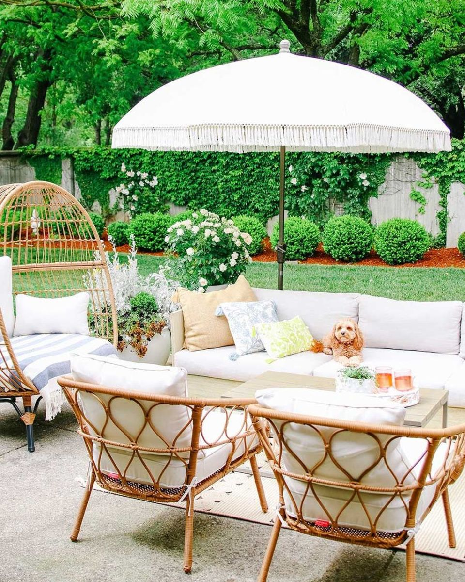 Fascinating Summer Patio Ideas To Beautify Your Garden 18