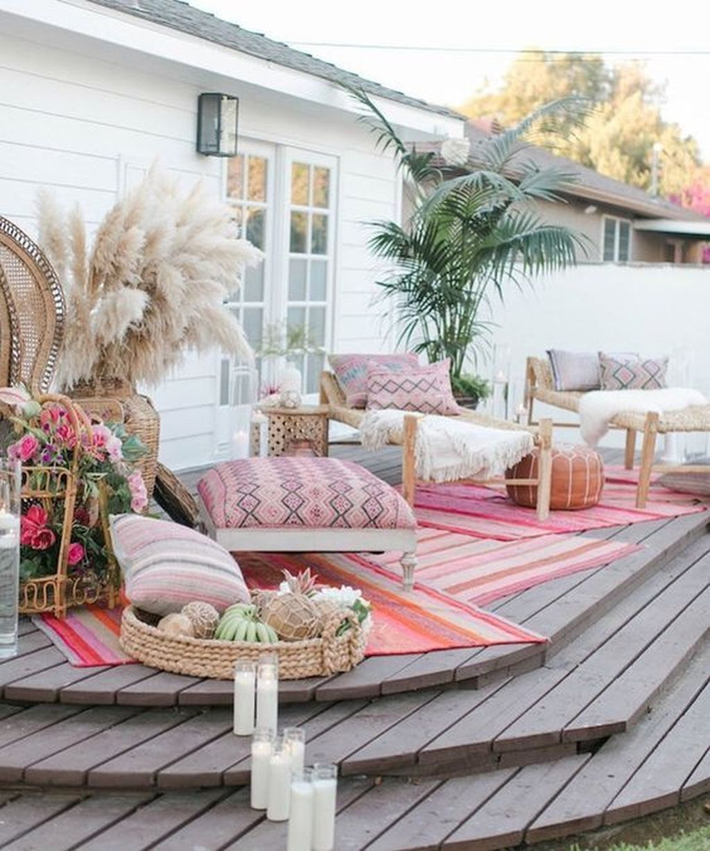 Fascinating Summer Patio Ideas To Beautify Your Garden 26
