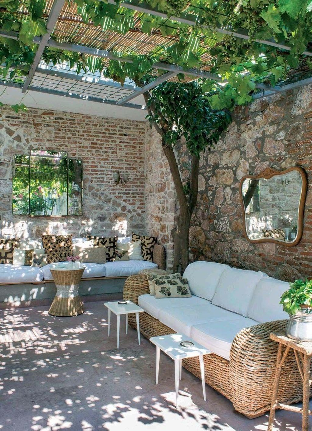 Fascinating Summer Patio Ideas To Beautify Your Garden 28