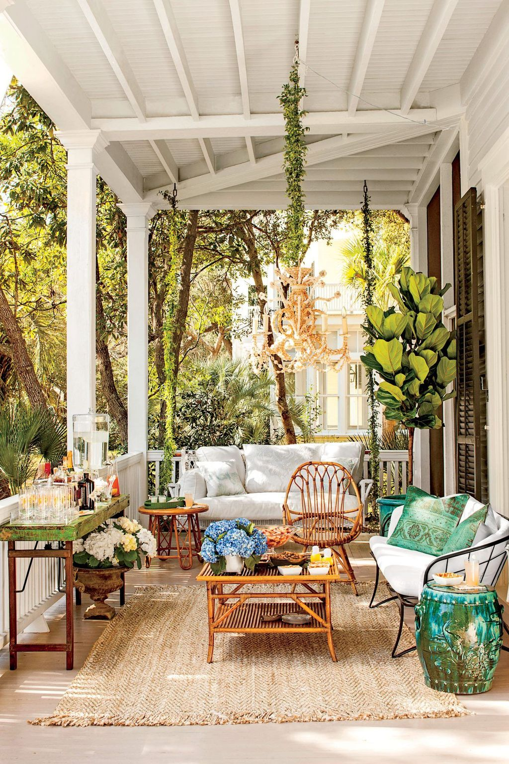 Fascinating Summer Patio Ideas To Beautify Your Garden 31