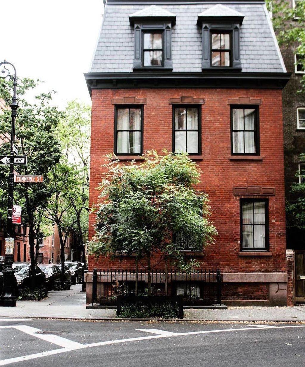 Impressive Brick House Exterior Design Ideas That You Definitely Like 20