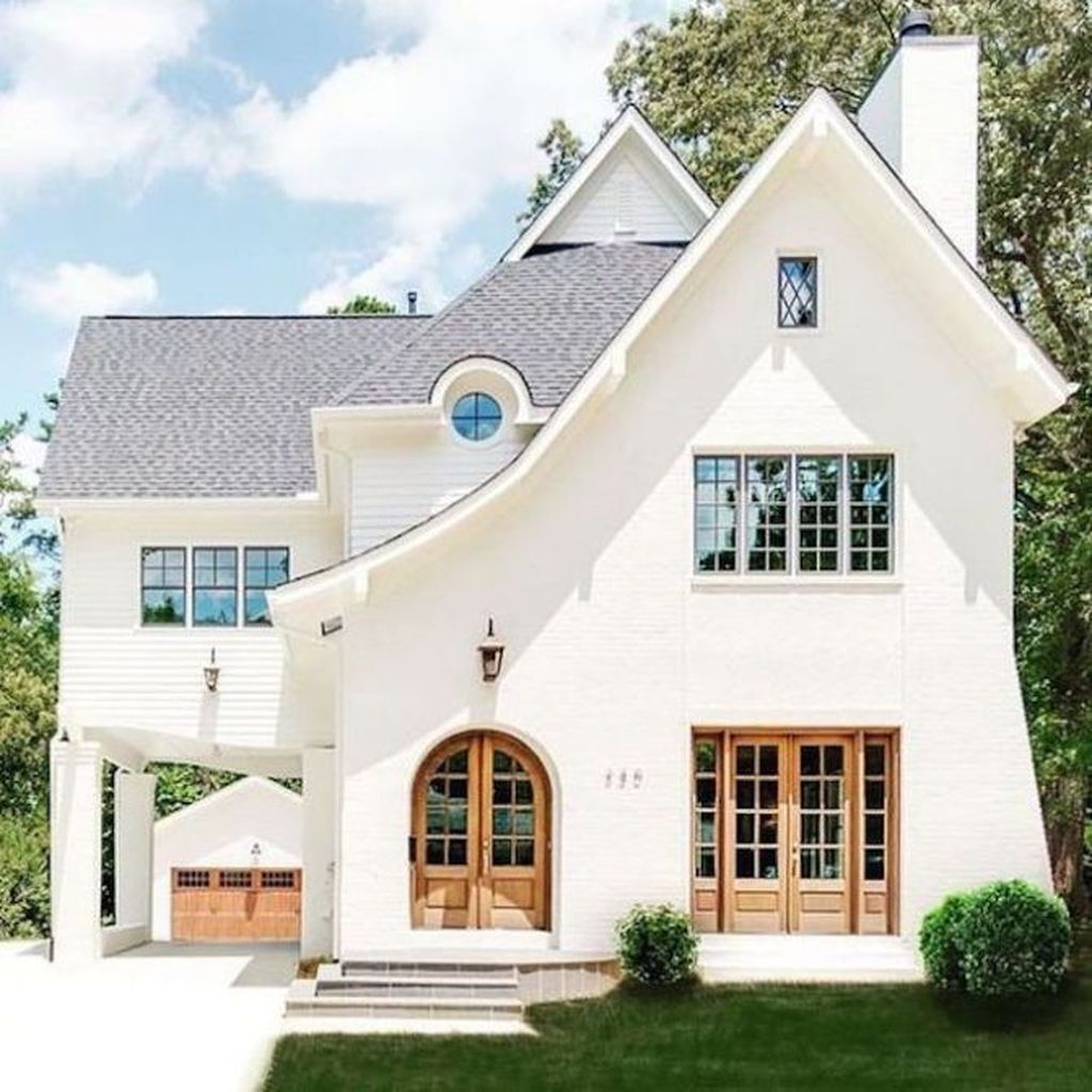 Impressive Brick House Exterior Design Ideas That You Definitely Like 24