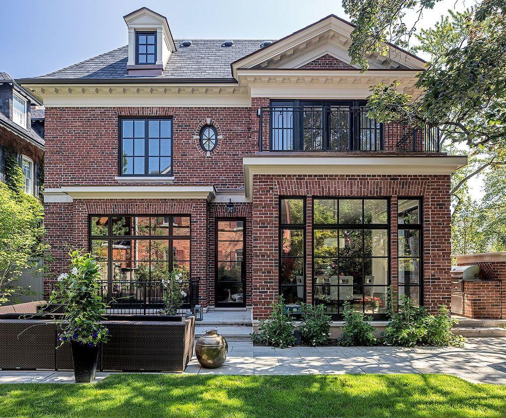 Impressive Brick House Exterior Design Ideas That You Definitely Like 30