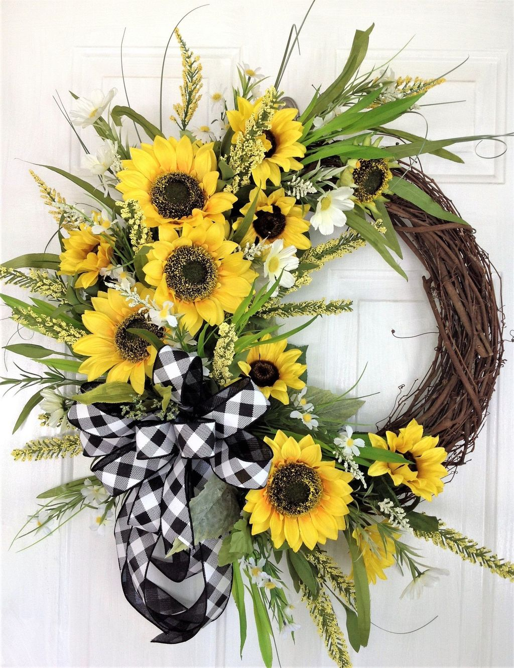 Inspiring Summer Wreath Design Ideas You Should Copy 15