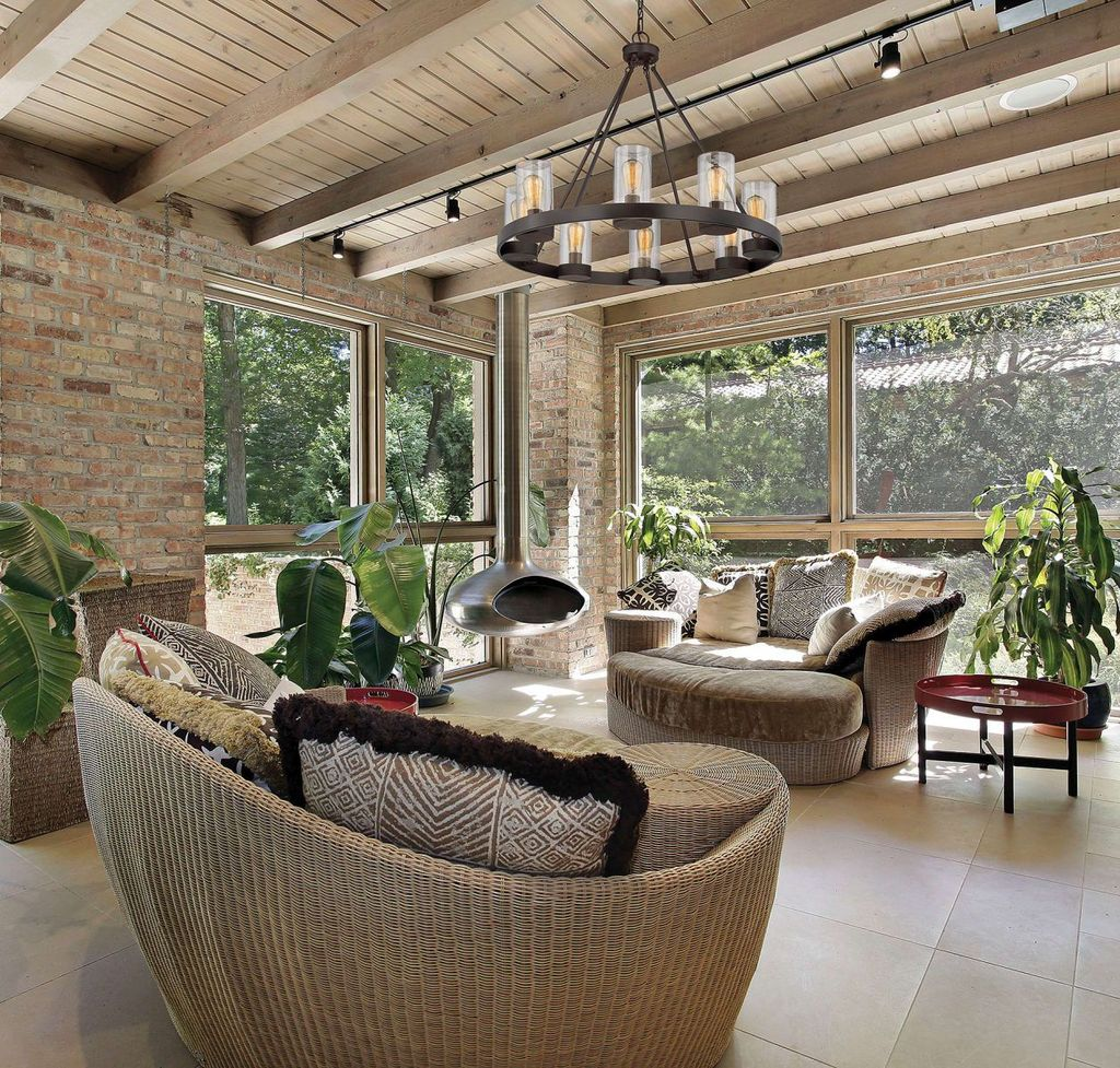 Inspiring Sunroom Furniture Ideas That You Must Have 04