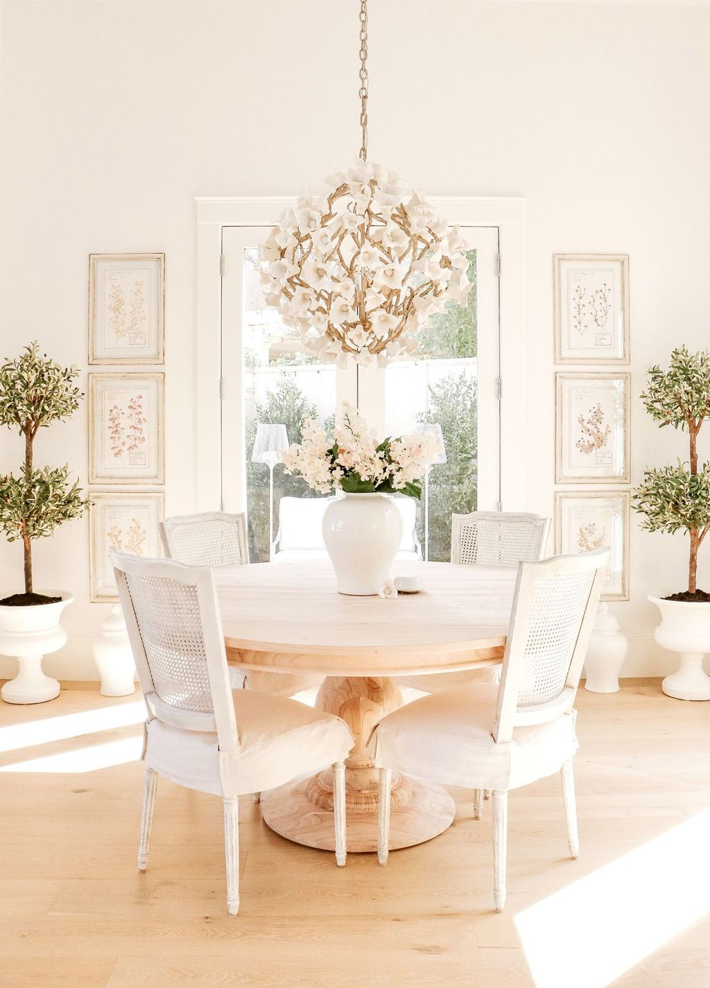 Popular Modern Dining Room Design Ideas You Should Copy 29